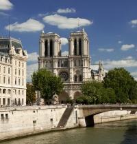 Pariseko Notre-Dame katedrala eta Seine ibaia. M.Dalach. Fotolia.
