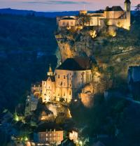 Nightfall in Rocamadour. France. BancoFotos. Fotolia