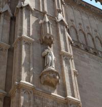 Ramon Llull. Skulptur. Haupttor oder das Tor zur Almudaina, Neugotik (1851-1880). Kathedrale von Palma. IRU, S.L.