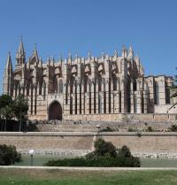 Seitenfassades des Aussichtspunktes (1389-1401). Kathedrale von Palma. IRU, S.L.