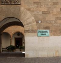 Eingang zum Institut Estudi General Lul·lià (1951). Palma. IRU, S.L.