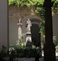 Estàtua de Ramon Llull. Pati de la Sapiència. Palma. IRU, SL.
